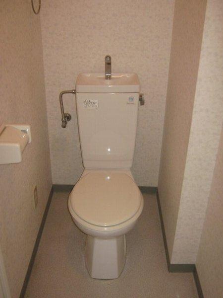 フェリーチェ勝川 103号室のトイレ