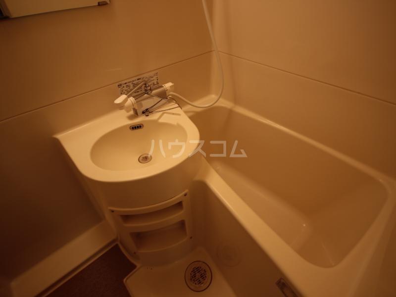 ハイツサンモリッツ 201号室の洗面所