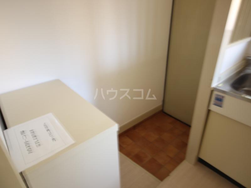 ハイツサンモリッツ 201号室の玄関