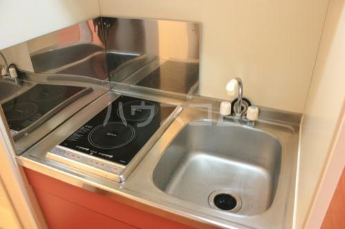 レオパレスWisteria 202号室のキッチン