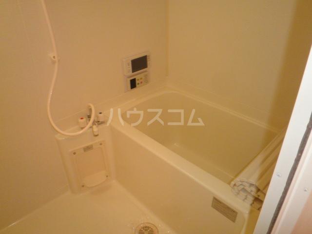 エトワールかつら 102号室の風呂