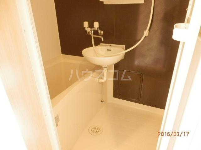 ブロッサムテラス蒲田 202号室の風呂
