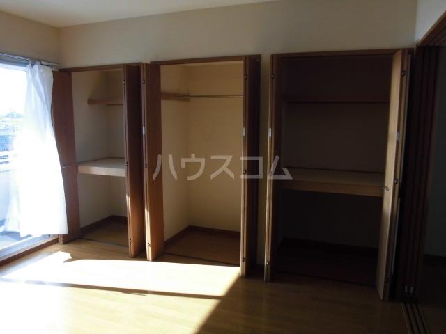 ピアビル 9-D号室の玄関
