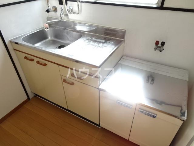 旭ハイツ 105号室のキッチン