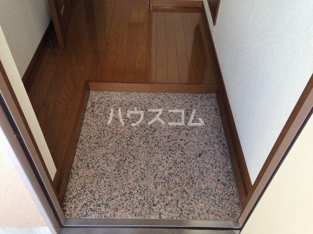 辻マンションA棟 2D号室の玄関