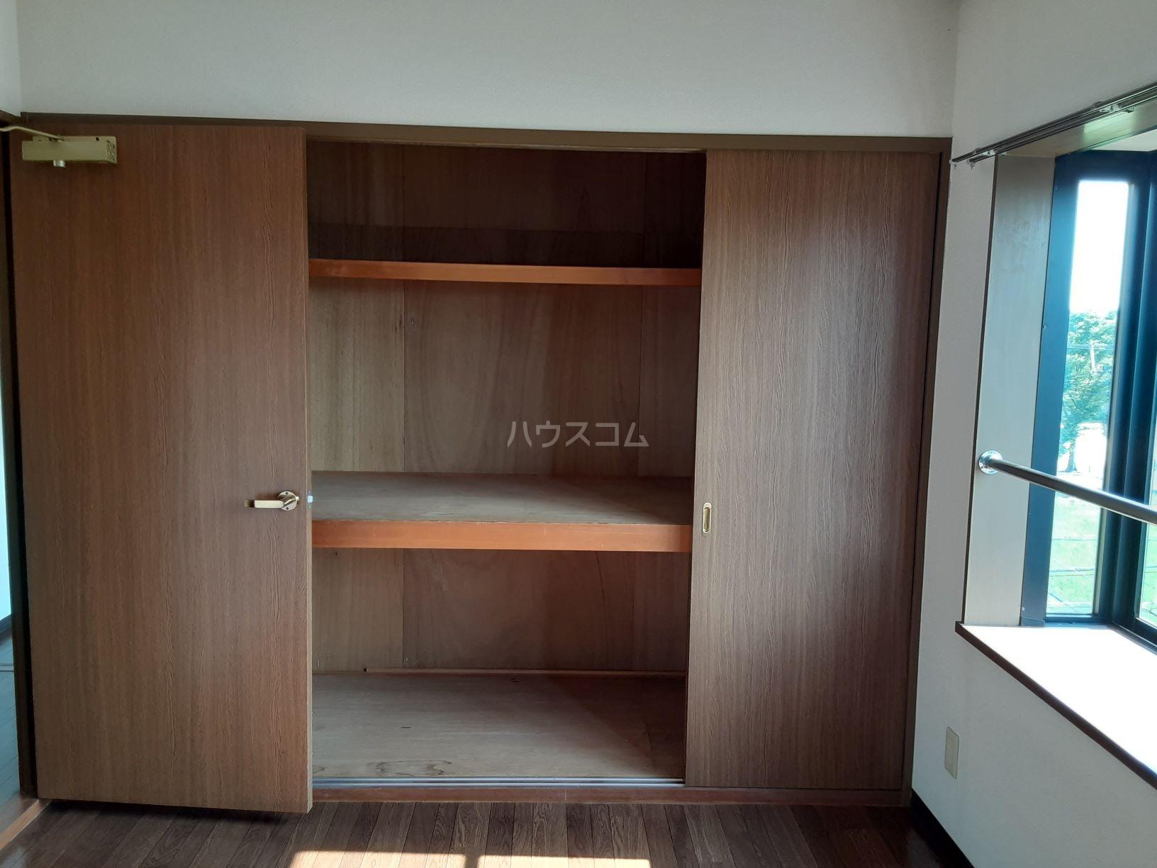 ソシエ2002 503号室の収納