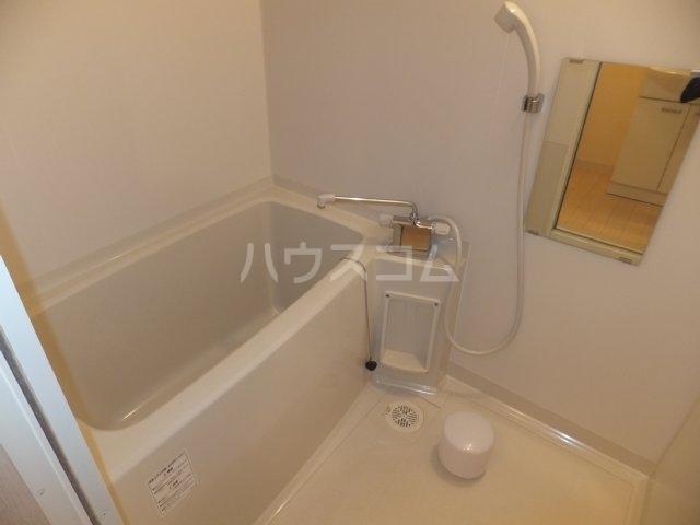 カーサK.R.C 205号室の風呂