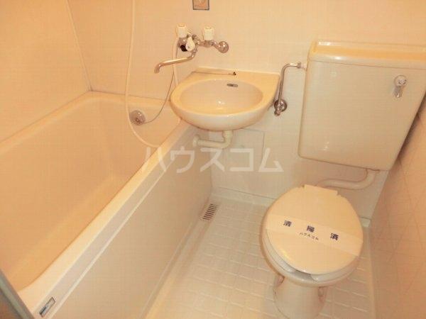 ローズハイツ 102号室の風呂