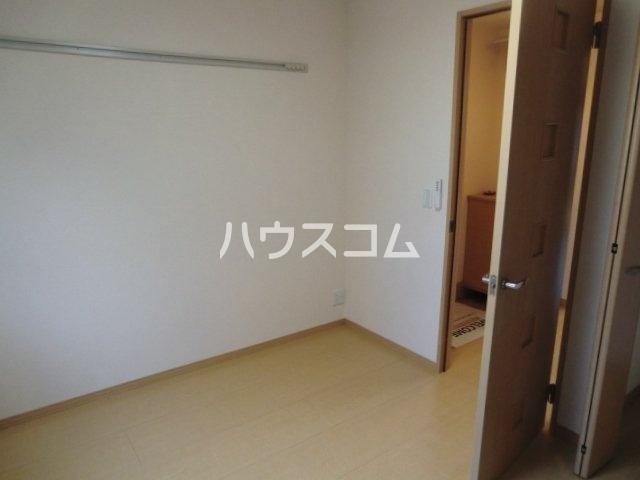 カーサコモダ天カ須賀 303号室のリビング