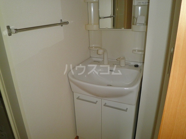 カーサコモダ天カ須賀 303号室の洗面所