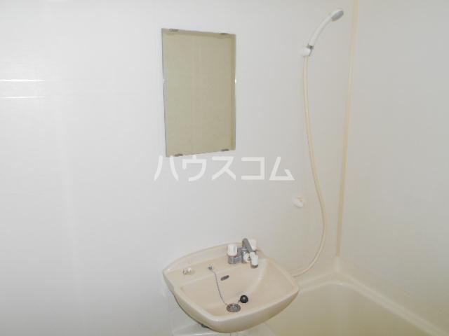 ルームIフジハイツ 302号室の洗面所