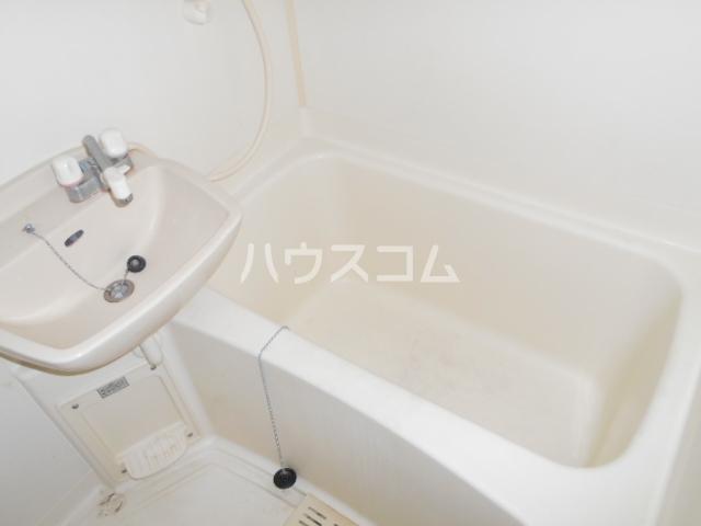 ルームIフジハイツ 302号室の風呂