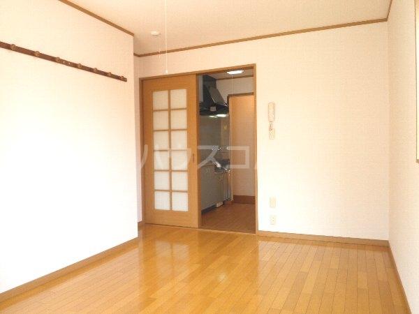 ヴィラクール 104号室の収納