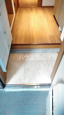 ヴィラクール 104号室の玄関