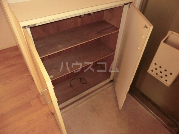コーポラスコンドウ 101号室の居室