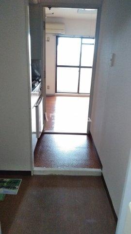 キャビン ウエスト 4A号室の玄関