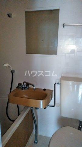 キャビン ウエスト 4A号室の洗面所