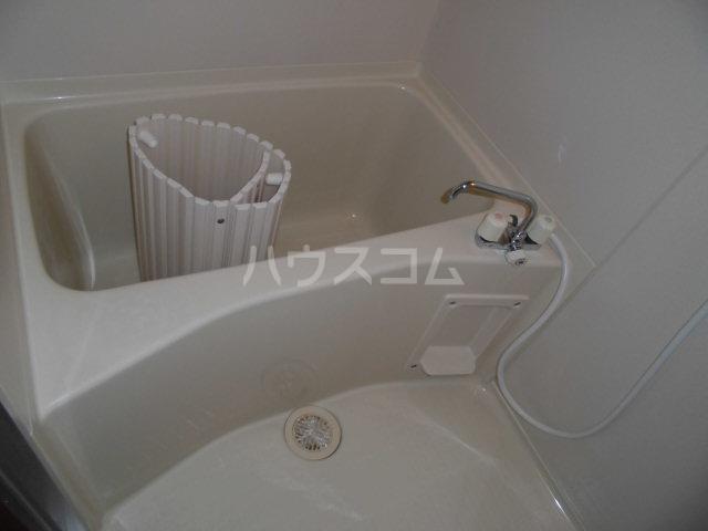 アヴニール 205号室の風呂