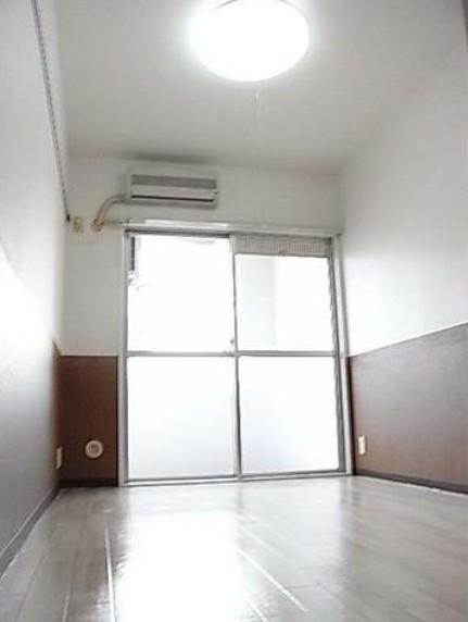 トップ桜新町第2 407号室のリビング