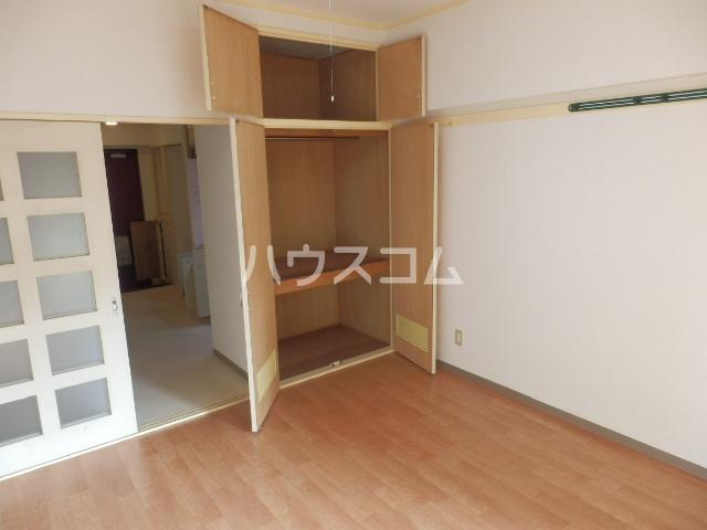 厚木メゾンドパンセ 202号室の収納