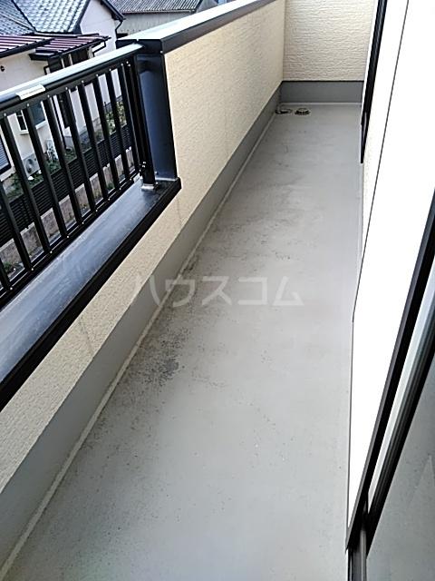 ビックストーンA 202号室のバルコニー