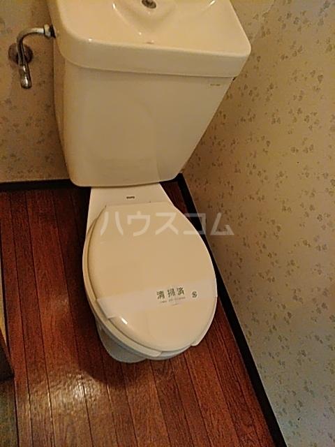 クイーンズハイツ金明 102号室のトイレ