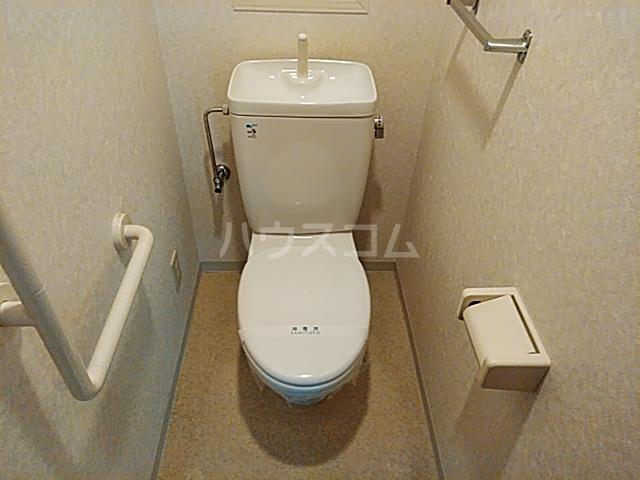 ウエストコート花園 404号室のトイレ