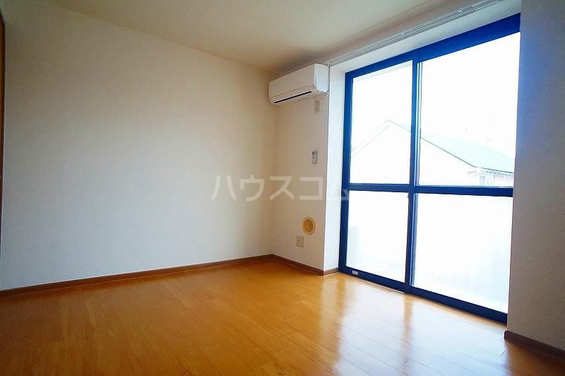 ボヌール 02030号室のリビング