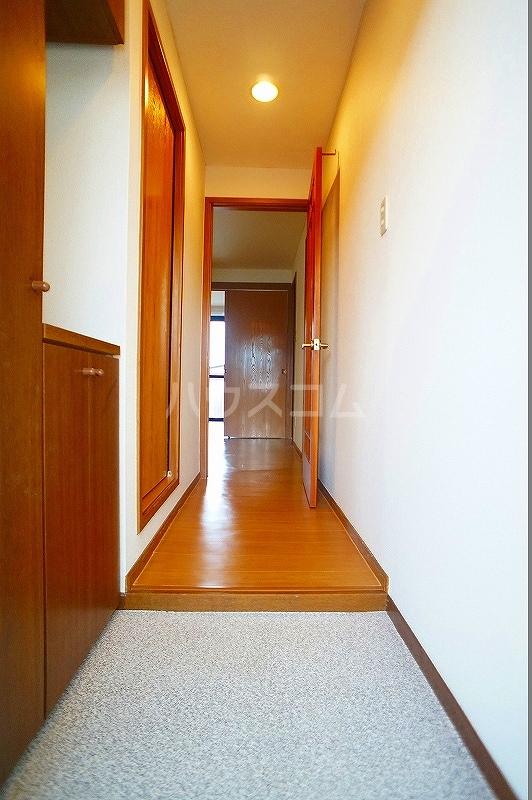 ボヌール 02030号室の玄関