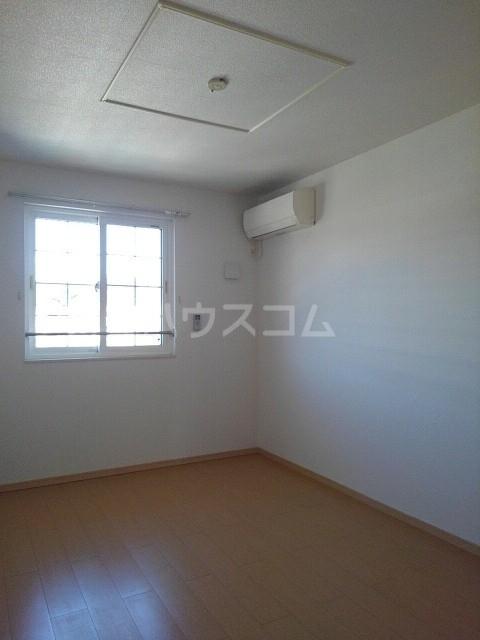 サニーコート 02040号室の居室