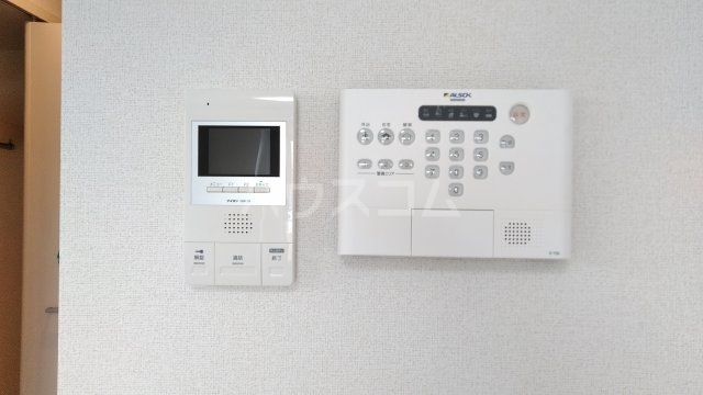 キングキャッスル 弐番館 01050号室のセキュリティ