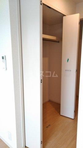 キングキャッスル 弐番館 01050号室の収納
