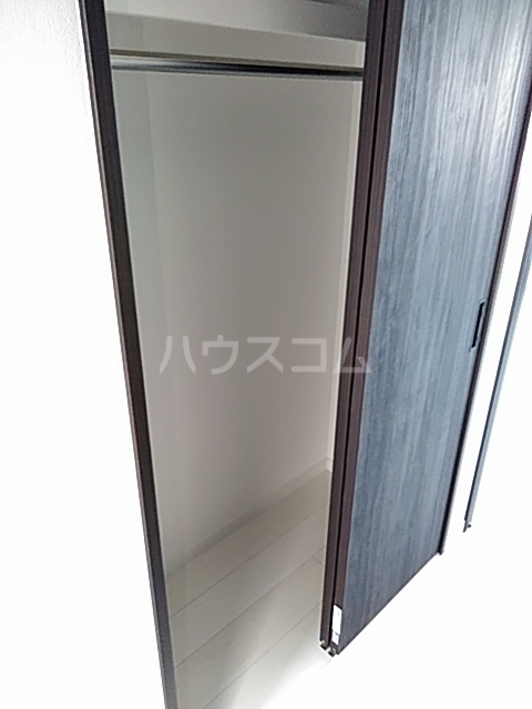 HF世田谷上町レジデンス 201号室の玄関