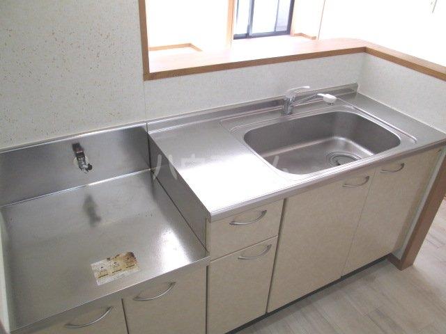 フロイデ宮竹 106号室のキッチン