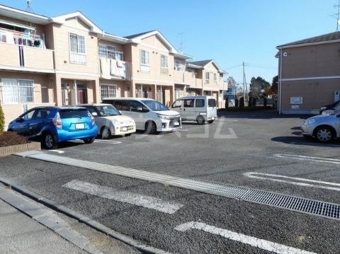 サン・ヒルズ永国A 02020号室の駐車場