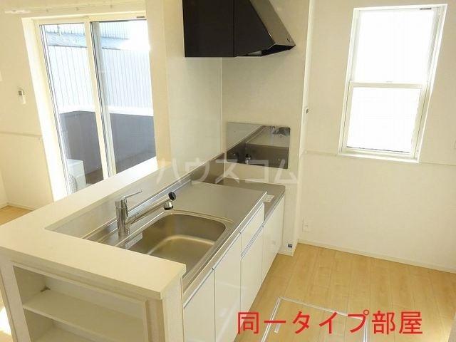 ウッドパークⅡ B 01010号室のキッチン