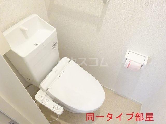 ウッドパークⅡ B 01010号室のトイレ