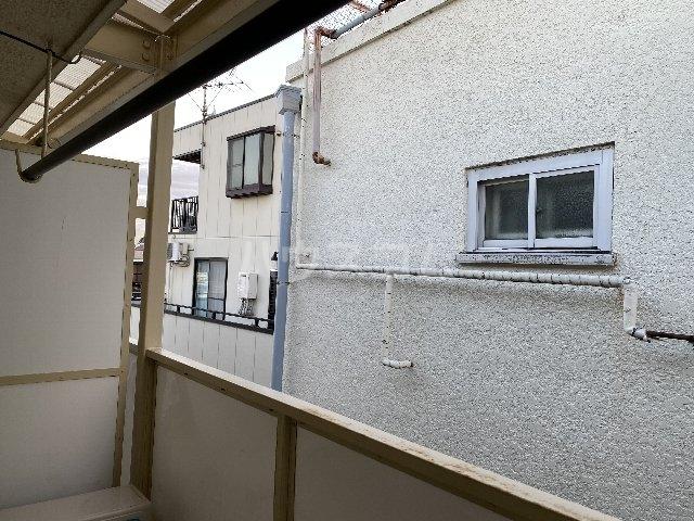 仲田マンション 304号室の玄関