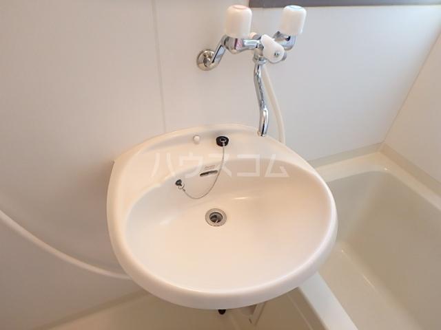 トヨコーポ 205号室の洗面所
