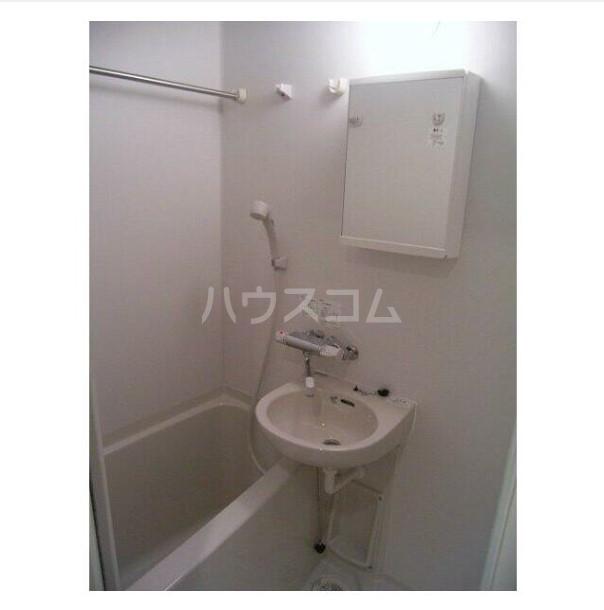 フェニックス横濱吉野町 803号室の風呂