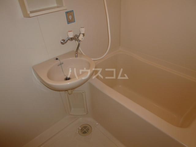 ラ・ポート八熊苑 103号室の洗面所