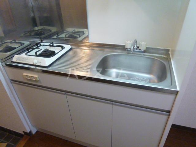 ラ・ポート八熊苑 103号室のキッチン
