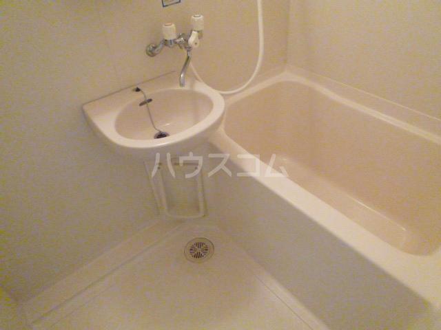 ラ・ポート八熊苑 103号室の風呂