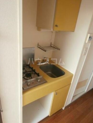 メゾン・ド・セプトル 304号室のキッチン