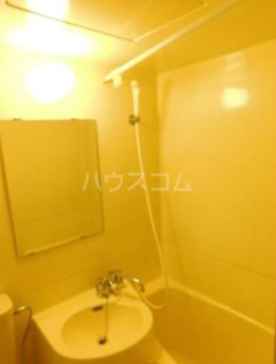 メゾン・ド・セプトル 304号室の風呂