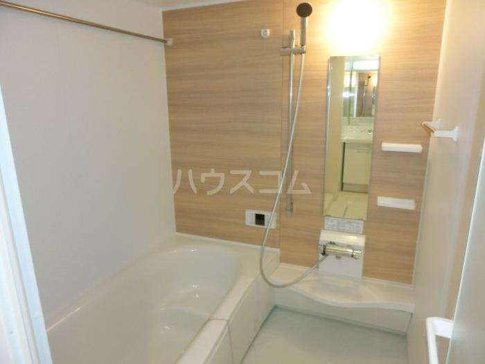 ボヌールロード 106号室の風呂