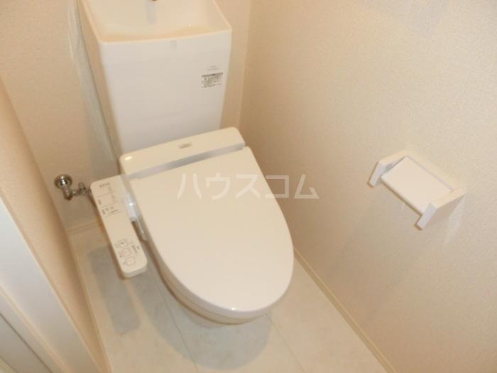 ボヌールロード 106号室のトイレ