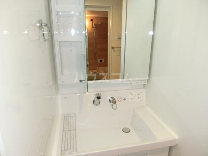 ボヌールロード 106号室の洗面所