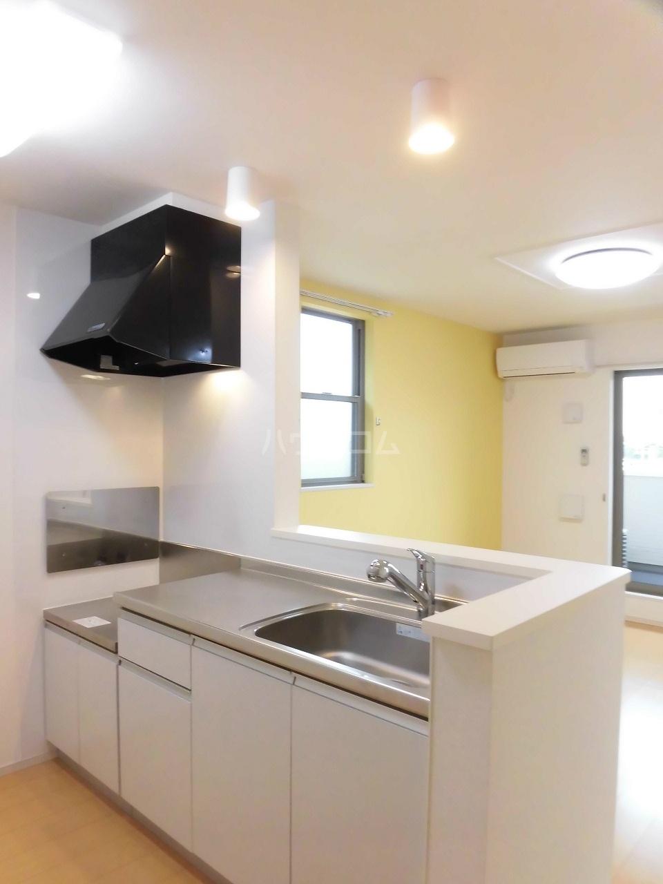 レジデンス リオ 02040号室のキッチン