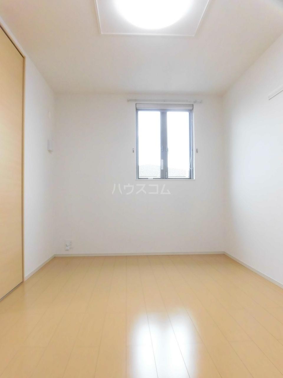 レジデンス リオ 02040号室のリビング